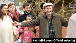 Актор Федір Добронравов (праворуч) у серіалі «Свати»