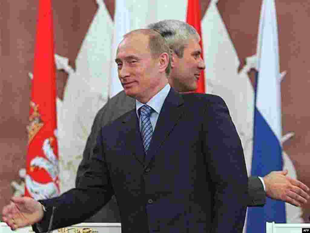 Russian President Vladimir Putin mets with his Serbian counterpart Boris Tadic in Moscow - Russian President Vladimir Putin (left) meets with his Serbian counterpart Boris Tadic (right) at the Kremlin in Moscow on January 25.