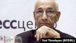 Юрий Шмидт