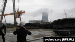 Градзірня Беларускай АЭС з адлегласьці