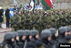 Парад эстонских войск и частей союзников по НАТО в честь Дня независимости Эстонии. Нарва, 24 февраля 2015 года