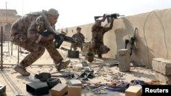عراقي پوځ نیول شویو سیمو کې کور په کور تلاشي پيل کړې ده.