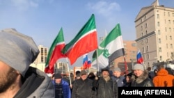 Немцов маршында Татарстан байраклары