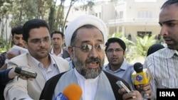 حیدر مصلحی، وزیر اطلاعات دولت جمهوری اسلامی ایران(چپ)