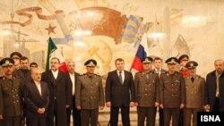 مصطفی محمد نجار، وزیر دفاع ایران در کنار همتای روسی خود آناتولی سردوکوف