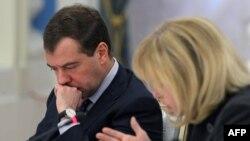 Поручение расследовать смерть Сергея Магнитского президент Медведев дал после встречи с правозащитниками.