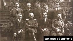 Урад БНР. 1918 год. Язэп Варонка сядзіць другі справа.