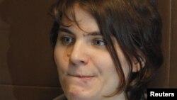 Pussy Riot панк тобының бостандыққа шыққан мүшесі Екатерина Самуцевич. Мәскеу, 10 қазан 2012 жыл.
