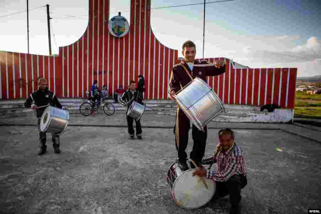 The Drummers Of Macedonia's Semka Band #36