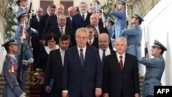 Kabineti i fundit qeveritar çek (Ilustrim)