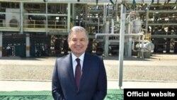 Президент Мирзиёев Фарғона нефтни қайта ишлаш заводида. 2019, 6 май.