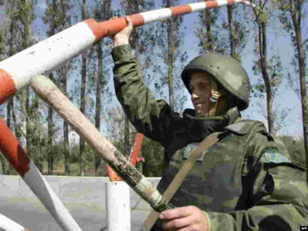 Деревня Каралети. Демонтаж блокпоста войск РФ, 7 октября 2008