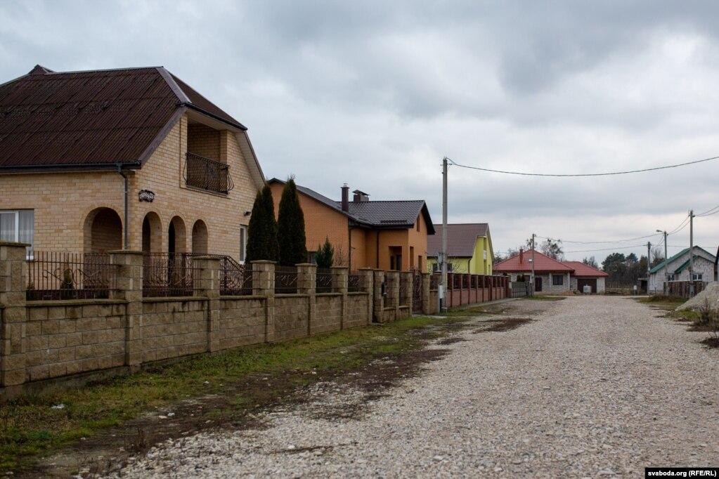 Соседи характеризуют директора сахарного завода хорошо