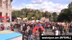 Armenia -- Opposition suppoerters gather in Yerevan's Liberty square, Yerevan, 01Oct2011