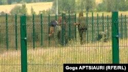 «Бомбы замедленного действия» – так в своем докладе Международная федерация за права человека называет спорные территории в Восточной Европе. В докладе, уместившемся на 72 страницах, описываются многочисленные нарушения, зафиксированные на этих территориях