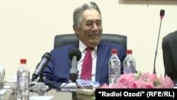 Рамазон Мирзоев на презентации своей книги в Душанбе. 22 февраля 2018
