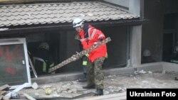 У центрі Києва у будинку обвалилися кілька поверхів, 25 лютого 2016 року
