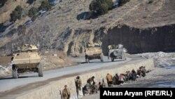 افغان چارواکي وايي د پکتیا د ۶ ولسوالیو د لارې د خلاصون لپاره افغان امنیتي ځواکونو ګډ عملیات پیل کړي چې تر یوه بریده بریالي هم دي.