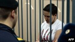 Надія Савченко під час засідання суду. Москва, листопад 2014 року