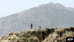 Pakistani security forces claim they killed 10 suspected militants in one of the clashes near the border with Afghanistan. (file photo)