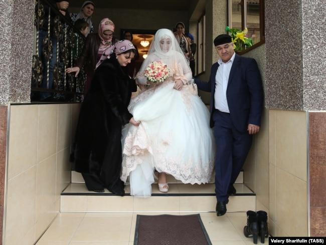 russian-lesbians-canada-marriage-radio