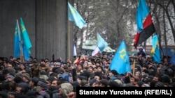 Мітинг під Верховною Радою АР Крим, 26 лютого 2014 року