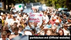 La protestul anti-opoziţie