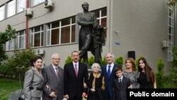 Prezident Bülbülün ailə üzvləri ilə