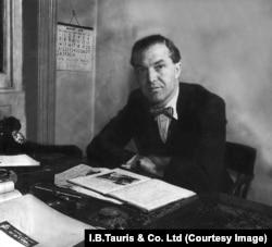Джеймс Макгиббон, 1955 год