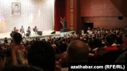 Театральное представление, Туркменистан (архивное фото)