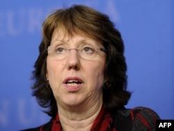 Катрін Аштон на засіданні у Люксембурзі 10 жовтня 2011 року
