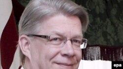 Оппозиция призывает президента Латвии Валдиса Затлерса распустить парламент