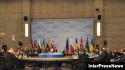 Круглий стіл під час Енергетичної конференції в Батумі, 14 січня 2010 року