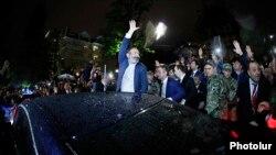 Премьер-министр Армении Никол Пашинян в Сочи, 13 мая 2018 г.