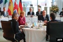 Барак Обама, Ангела Меркель, Франсуа Олланд та Маттео Ренці перед початком зустрічі. Берлін, 18 листопада 2016 року