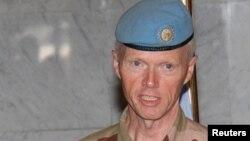 Глава миссии наблюдателей генерал Роберт Муд
