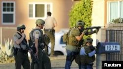 Американская полиция в Сан-Бернардино, Калифорния.