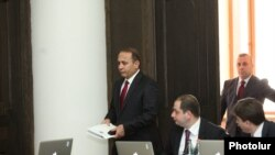 Armenia - Prime Minister Hovik Abrahamian arrives at a cabinet meeting in Yerevan, 17Apr2014.