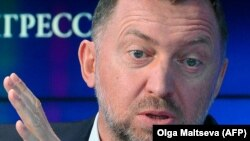 Russian aluminum magnate Oleg Deripaska (file photo)