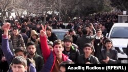 Azerbaijan -- protest n front of the Baku State University - 20Feb2014
