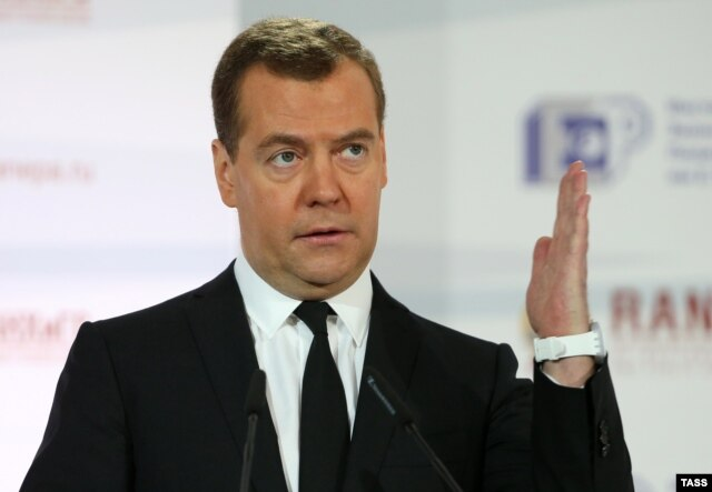 "Russian Prime Minister Dmitry Medvedev: ""No limits"" to Moscow's response"