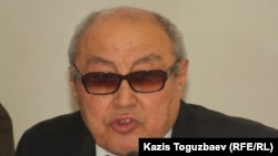 """Болат Нургожин, эксперт юридического департамента акционерного общества """"Кселл""""."""