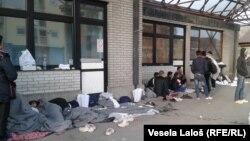 Migranti na autobuskoj stanici u Subotici, foto: Vesela Laloš