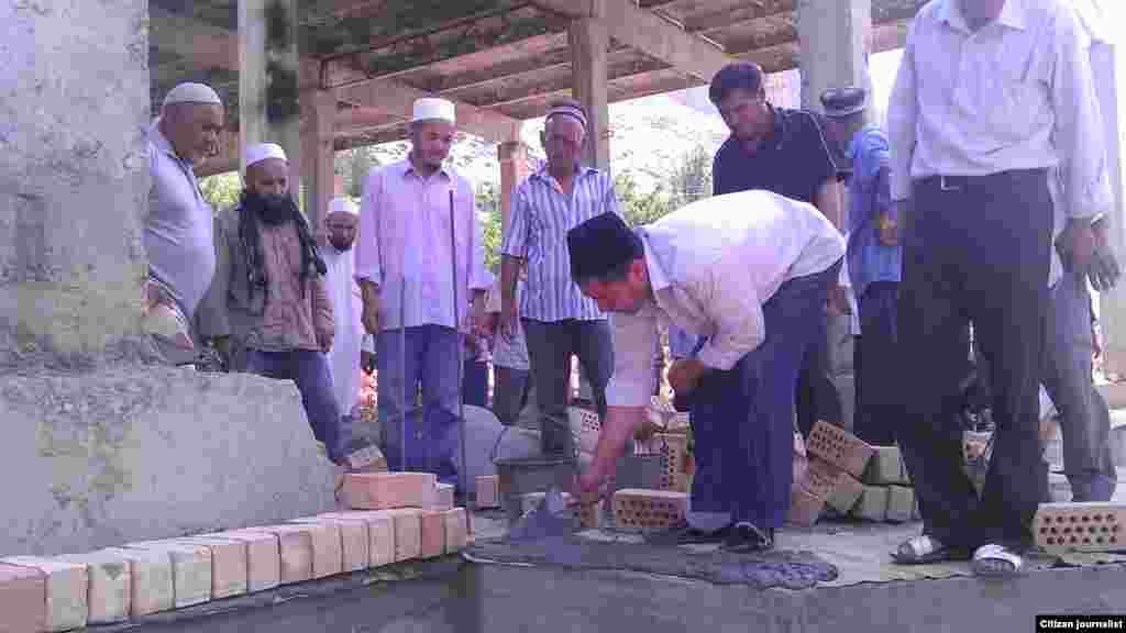 В Араване строят новую мечеть