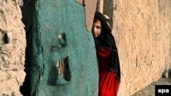 زیب: تا پایان ماه گذشته میلادی یکصد و بیست و چهار هزار افغان بدون مدرک قانونی و در ماه جولای حدود نود هزار افغانی که اسناد قانونی اقامت در پاکستان داشتند به افغانستان عودت کردهاند.