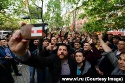 Леонид Волков на открытии штаба Алексея Навального во Владивостоке