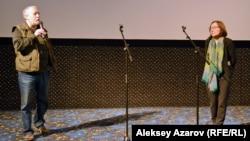 Фильмнің режиссері Александр Головинский мен Әсия Байғожина. Алматы, 29 наурыз 2016 жыл.