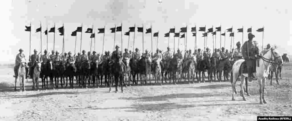 1918-ci ilin bu günü - 15 sentyabrda Nuru Paşanın rəhbərlik etdiyi Qafqaz İslam Ordusu və Azərbaycan Korpusu Bakıya daxil olaraq şəhəri daşnak-bolşevik işğalından azad edib.