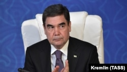 A türkmén elnök 2018. augusztus 12-én