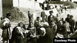 Цыгане в лагере в Годонин-у-Кунштата